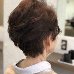 おばあちゃまの髪を切る。